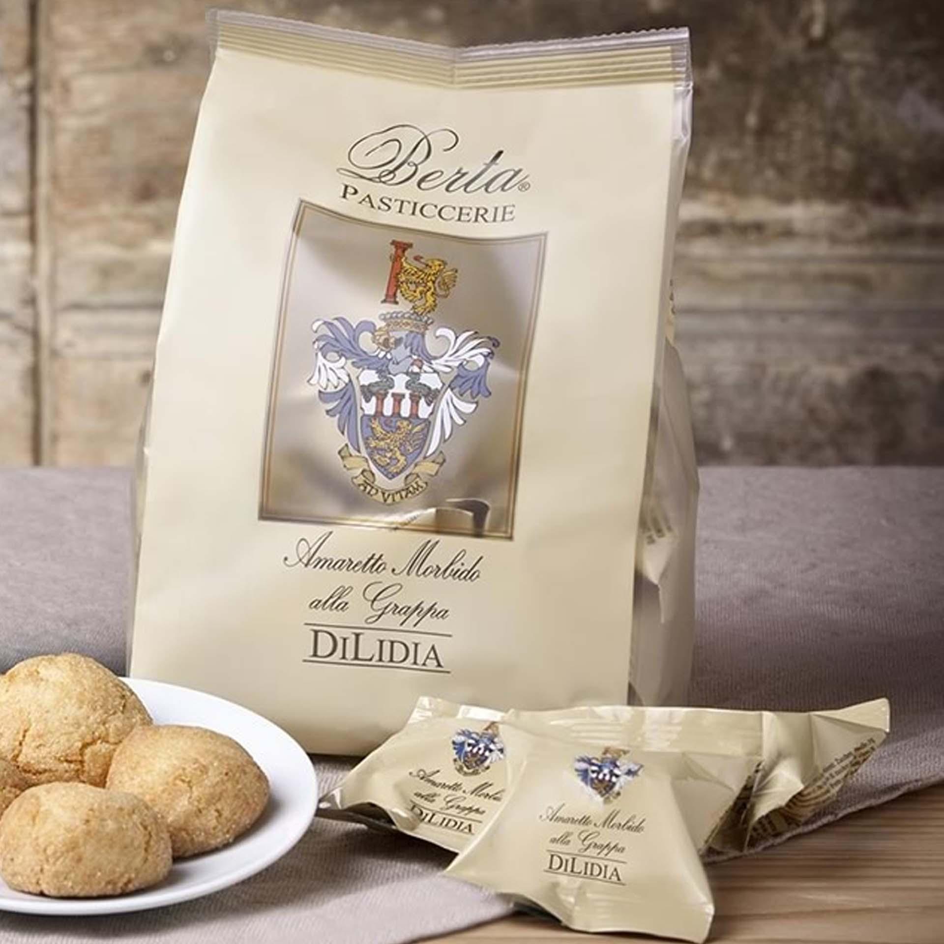 Macaroons chocolate and DiLidia grappa Moriondo box