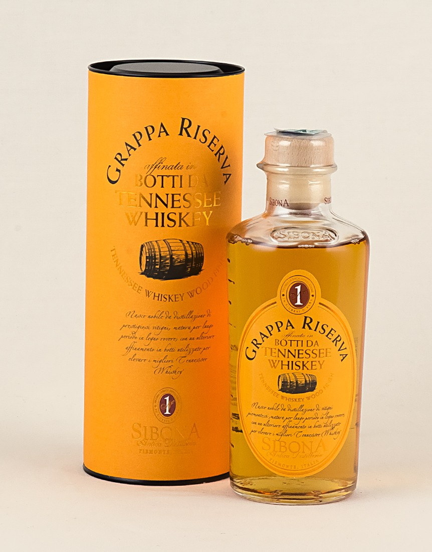 Grappa affinata in Botti Tennessee Whiskey